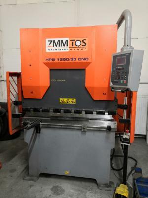 Ohraňovací lis HPB 1250/30 CNC