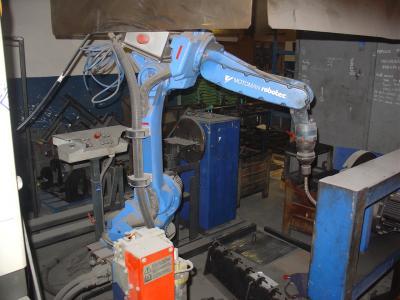 Robotizované pracoviště se svařovacím robotem Motoman NX 100